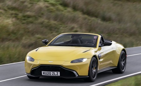 2021 Aston Martin Vantage Roadster (Color: Yellow Tang) Front Three-Quarter Wallpapers 450x275 (27)