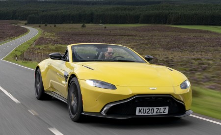 2021 Aston Martin Vantage Roadster (Color: Yellow Tang) Front Three-Quarter Wallpapers  450x275 (4)