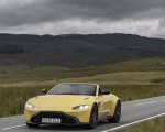 2021 Aston Martin Vantage Roadster (Color: Yellow Tang) Front Three-Quarter Wallpapers 150x120 (18)