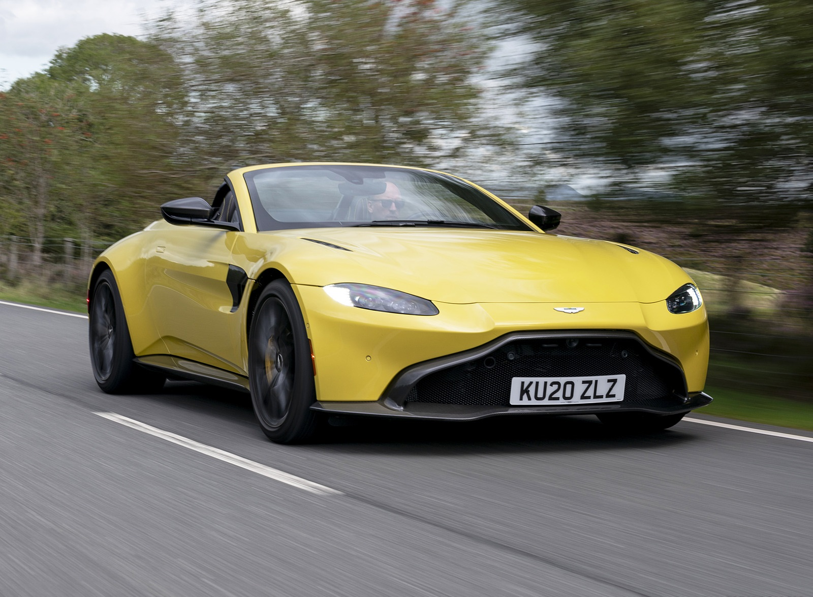 2021 Aston Martin Vantage Roadster (Color: Yellow Tang) Front Three-Quarter Wallpapers (7)