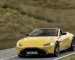2021 Aston Martin Vantage Roadster (Color: Yellow Tang) Front Three-Quarter Wallpapers 150x120 (28)