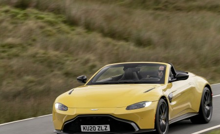 2021 Aston Martin Vantage Roadster (Color: Yellow Tang) Front Three-Quarter Wallpapers 450x275 (28)