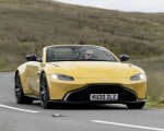 2021 Aston Martin Vantage Roadster (Color: Yellow Tang) Front Three-Quarter Wallpapers 150x120 (19)