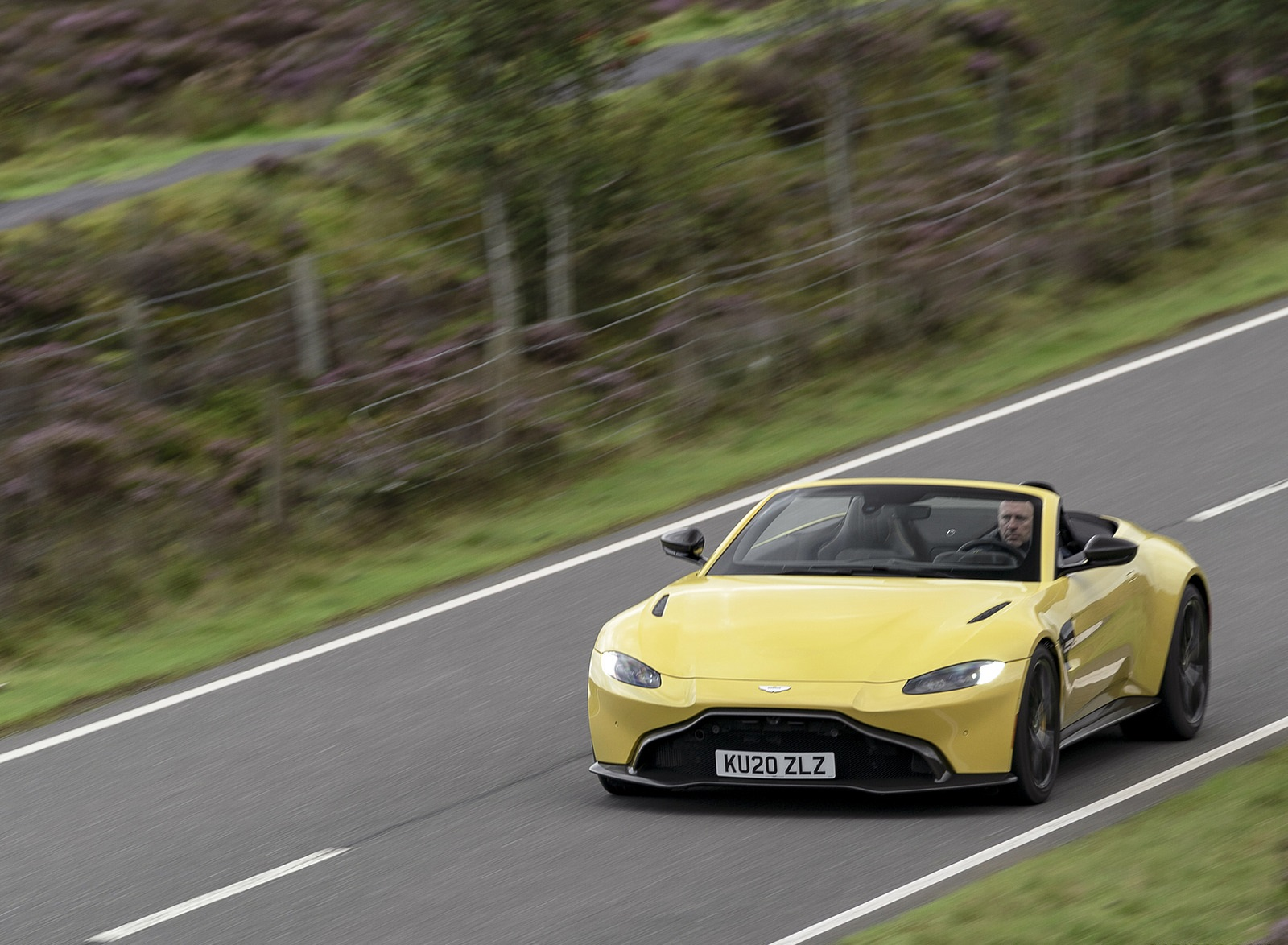 2021 Aston Martin Vantage Roadster (Color: Yellow Tang) Front Three-Quarter Wallpapers (10)