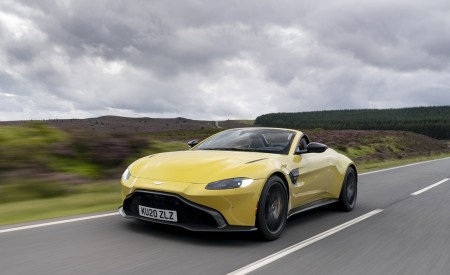 2021 Aston Martin Vantage Roadster (Color: Yellow Tang) Front Three-Quarter Wallpapers 450x275 (2)