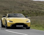 2021 Aston Martin Vantage Roadster (Color: Yellow Tang) Front Wallpapers 150x120 (31)