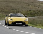 2021 Aston Martin Vantage Roadster (Color: Yellow Tang) Front Wallpapers 150x120 (29)