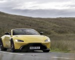 2021 Aston Martin Vantage Roadster (Color: Yellow Tang) Front Wallpapers  150x120 (30)