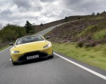 2021 Aston Martin Vantage Roadster (Color: Yellow Tang) Front Wallpapers  150x120 (12)
