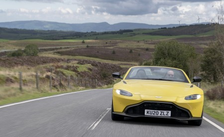 2021 Aston Martin Vantage Roadster (Color: Yellow Tang) Front Wallpapers 450x275 (13)