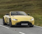 2021 Aston Martin Vantage Roadster (Color: Yellow Tang) Front Wallpapers 150x120 (23)