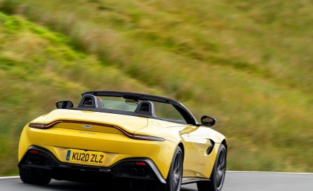 2021 Aston Martin Vantage Roadster (Color: Yellow Tang) Rear Wallpapers 450x275 (33)