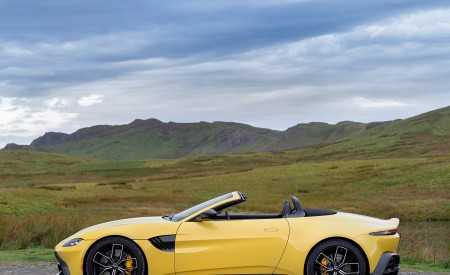 2021 Aston Martin Vantage Roadster (Color: Yellow Tang) Side Wallpapers 450x275 (50)