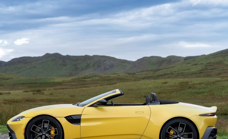 2021 Aston Martin Vantage Roadster (Color: Yellow Tang) Side Wallpapers 450x275 (54)