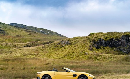 2021 Aston Martin Vantage Roadster (Color: Yellow Tang) Side Wallpapers 450x275 (53)