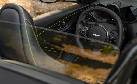 2021 Aston Martin Vantage Roadster (Color: Yellow Tang; US-Spec) Air Deflector Wallpapers 450x275 (161)