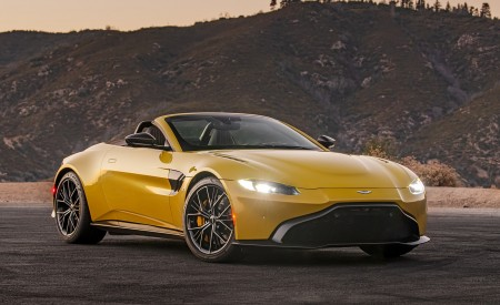 2021 Aston Martin Vantage Roadster (Color: Yellow Tang; US-Spec) Front Three-Quarter Wallpapers 450x275 (141)