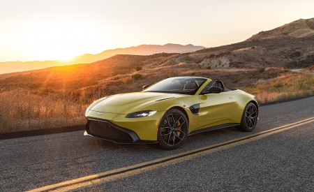 2021 Aston Martin Vantage Roadster (Color: Yellow Tang; US-Spec) Front Three-Quarter Wallpapers 450x275 (134)