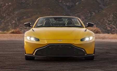 2021 Aston Martin Vantage Roadster (Color: Yellow Tang; US-Spec) Front Wallpapers 450x275 (142)