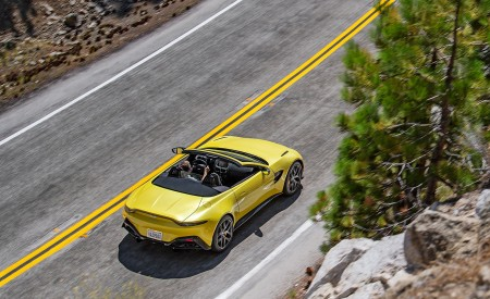 2021 Aston Martin Vantage Roadster (Color: Yellow Tang; US-Spec) Top Wallpapers 450x275 (132)