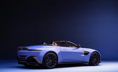 2021 Aston Martin Vantage Roadster Rear Three-Quarter Wallpapers 450x275 (163)