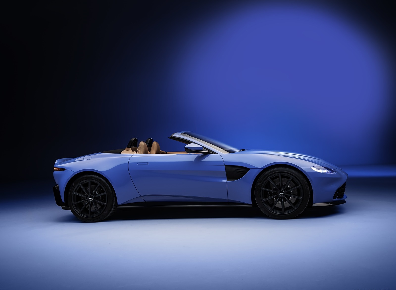 2021 Aston Martin Vantage Roadster Side Wallpapers (6)