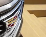 2021 Cadillac Escalade Badge Wallpapers 150x120 (16)