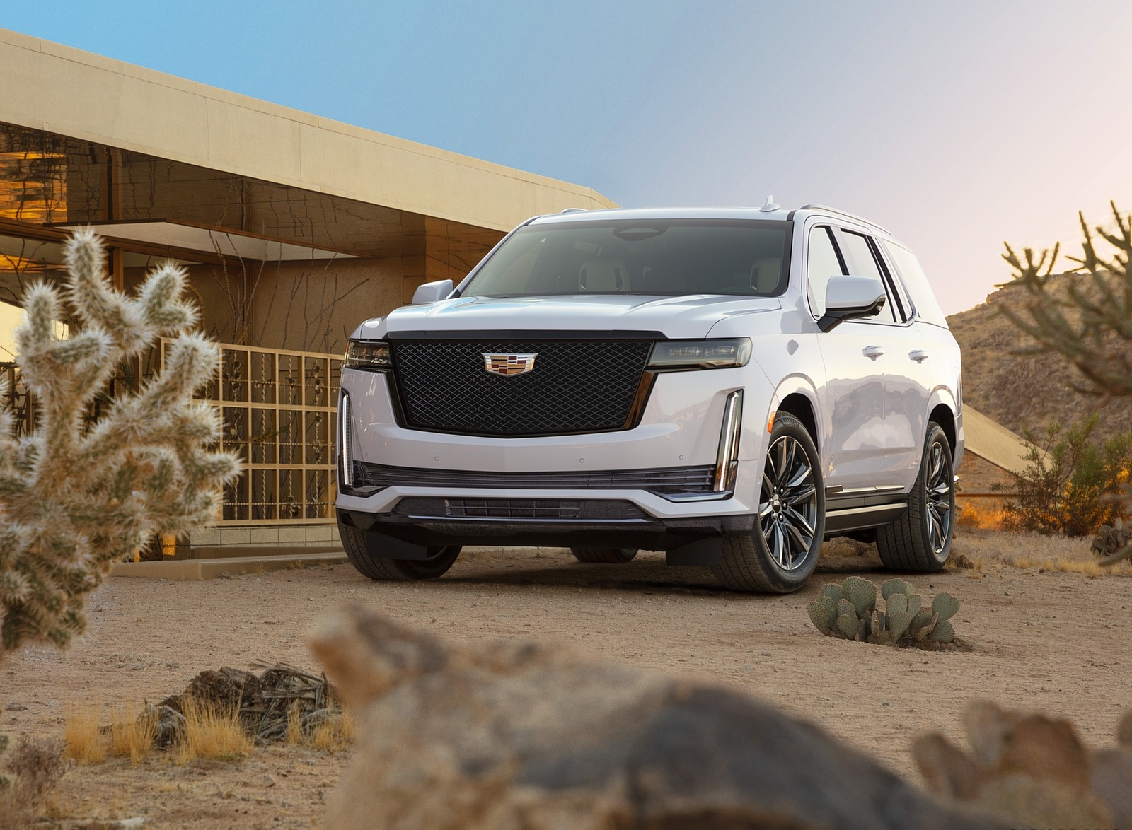 2021 Cadillac Escalade Front Three-Quarter Wallpapers (2)