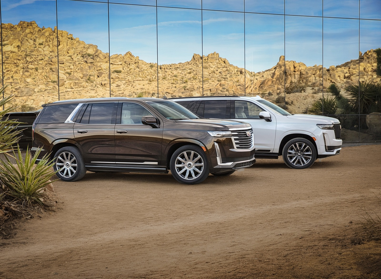 2021 Cadillac Escalade Front Three-Quarter Wallpapers (3)