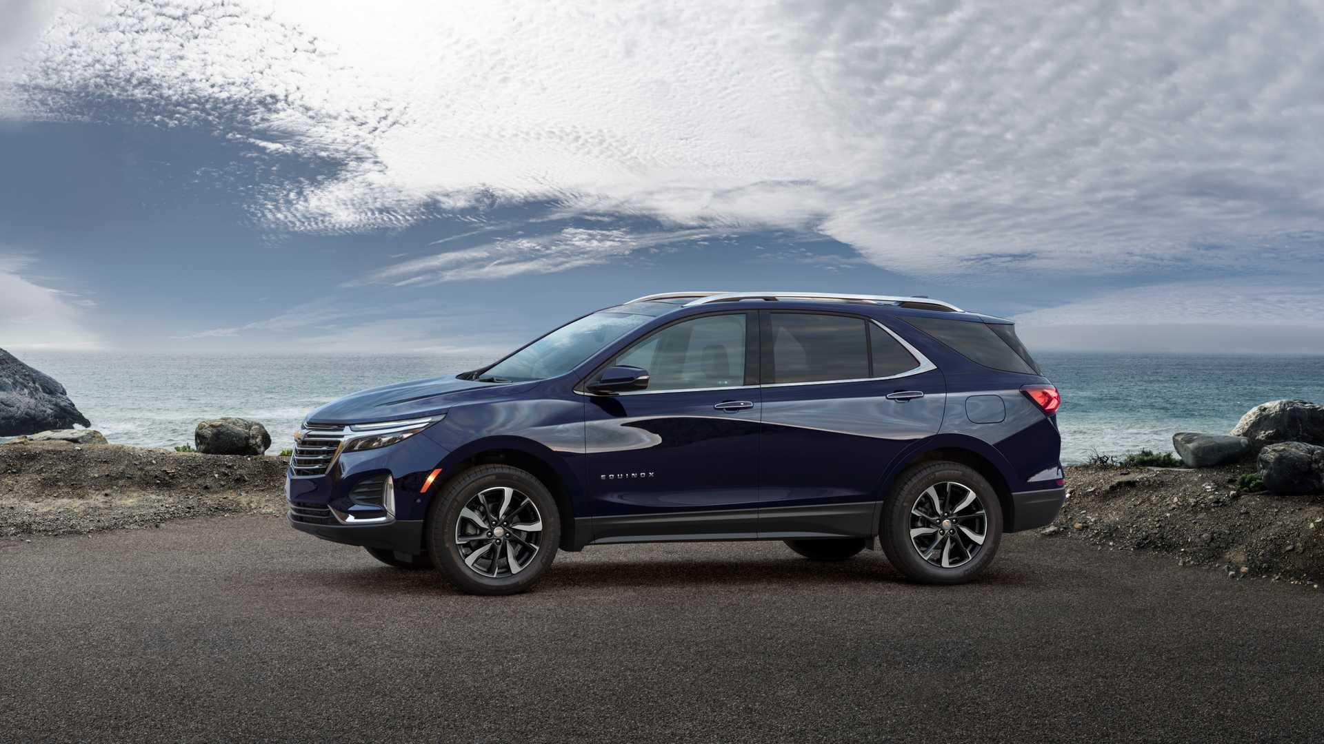 2021 Chevrolet Equinox Premier Front Three-Quarter Wallpapers (4)