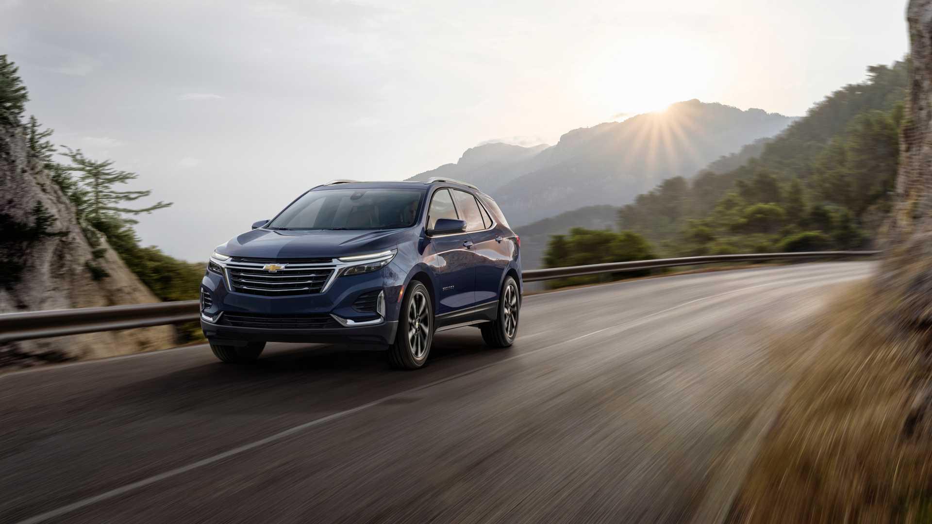 2021 Chevrolet Equinox Premier Front Three-Quarter Wallpapers (1)