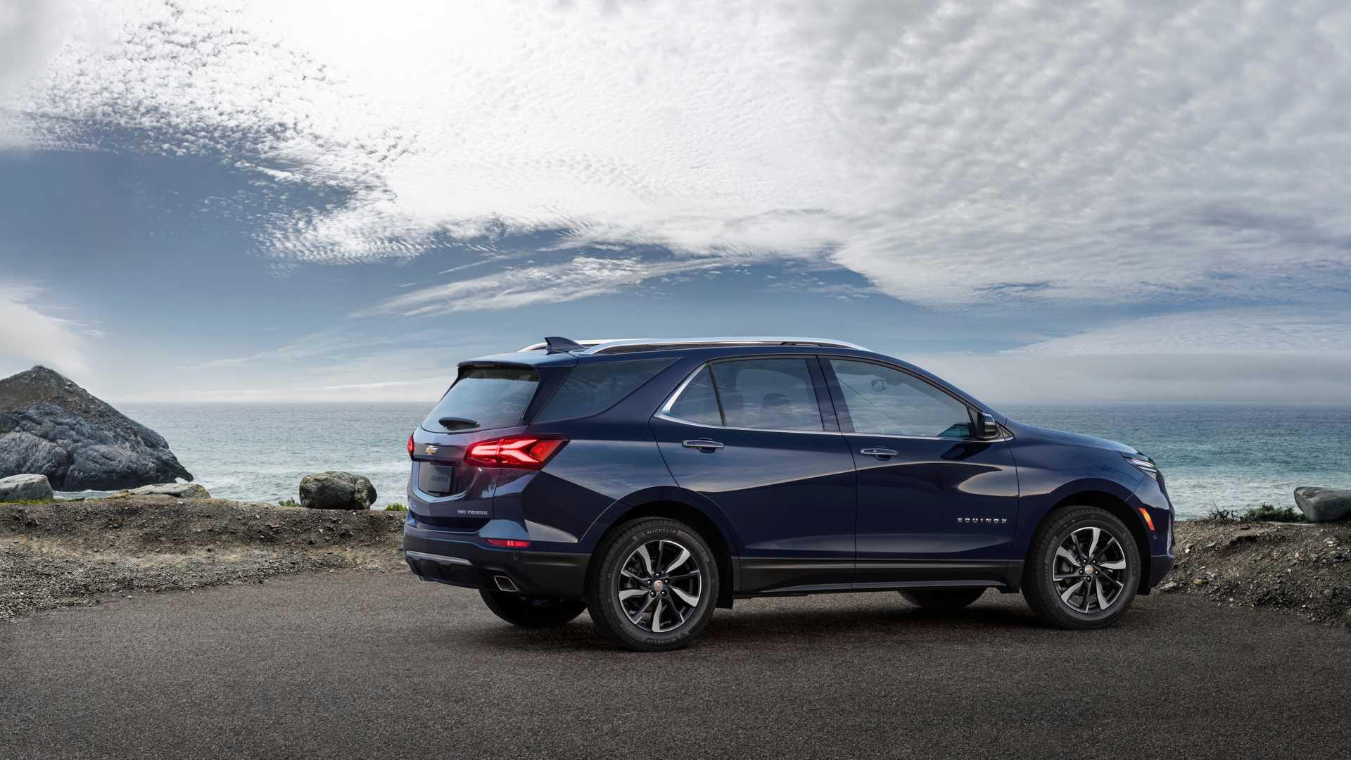 2021 Chevrolet Equinox Premier Rear Three-Quarter Wallpapers (5)