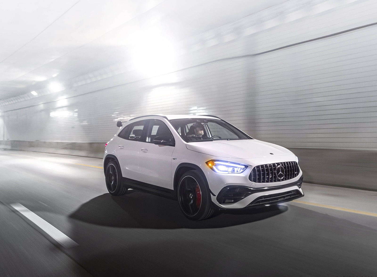 2021 Mercedes-AMG GLA 45 Front Three-Quarter Wallpapers  (2)