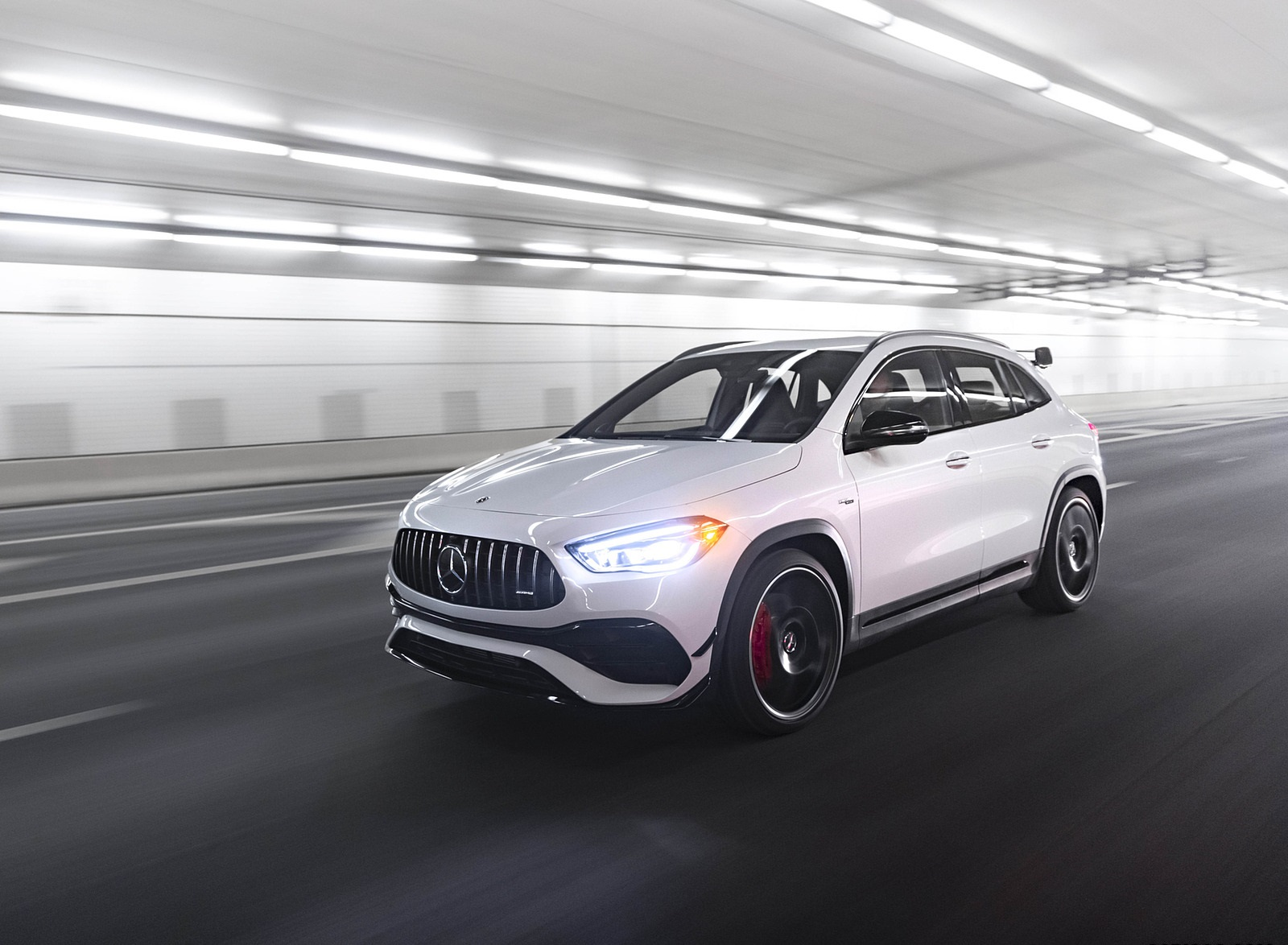 2021 Mercedes-AMG GLA 45 Front Three-Quarter Wallpapers  (3)