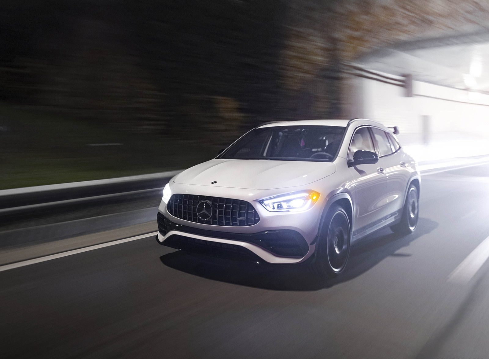 2021 Mercedes-AMG GLA 45 Front Three-Quarter Wallpapers (1)