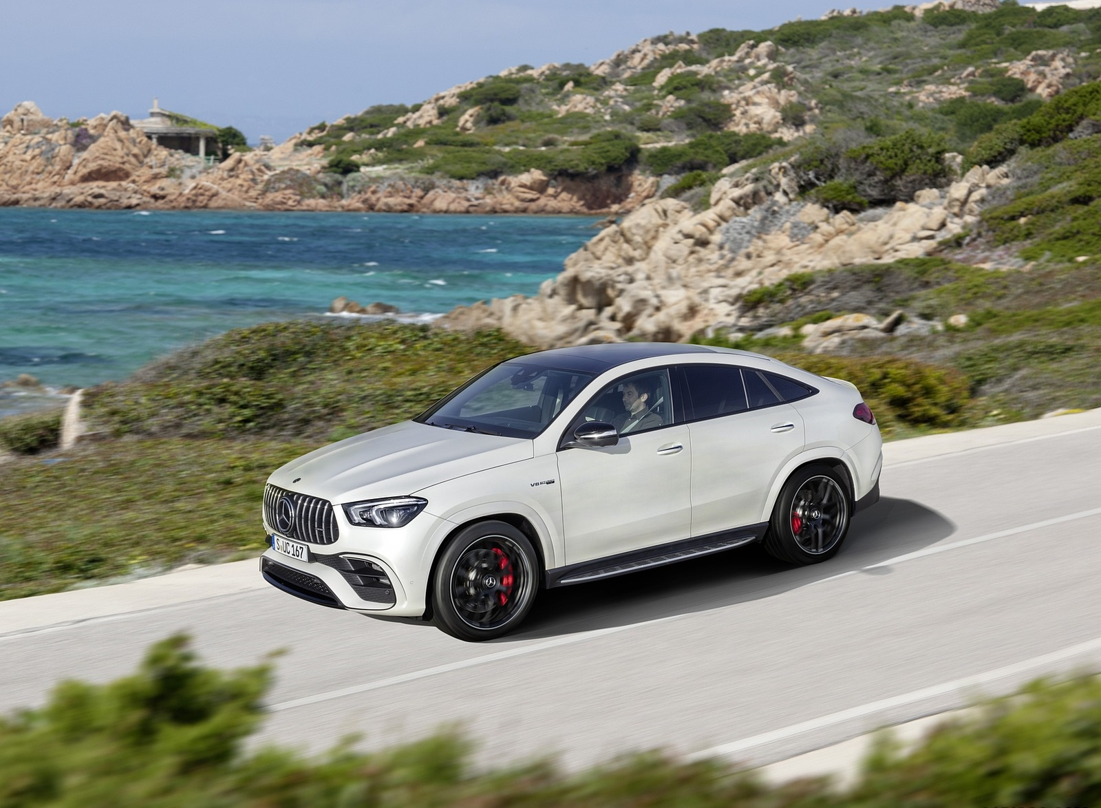 2021 Mercedes-AMG GLE 63 S 4MATIC+ Coupe (Color: Diamond White) Front Three-Quarter Wallpapers (4)