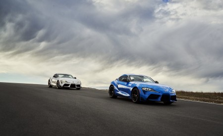 2021 Toyota GR Supra 3.0 Premium and Toyota GR Supra A91 Edition Front Three-Quarter Wallpapers 450x275 (2)