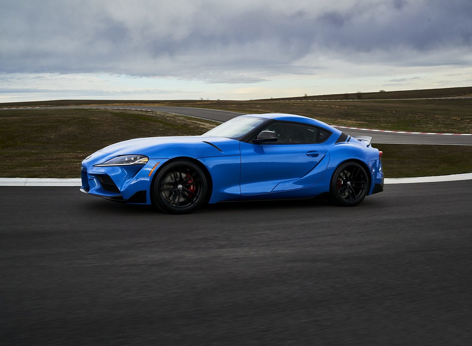 2021 Toyota GR Supra A91 Edition Side Wallpapers (6)