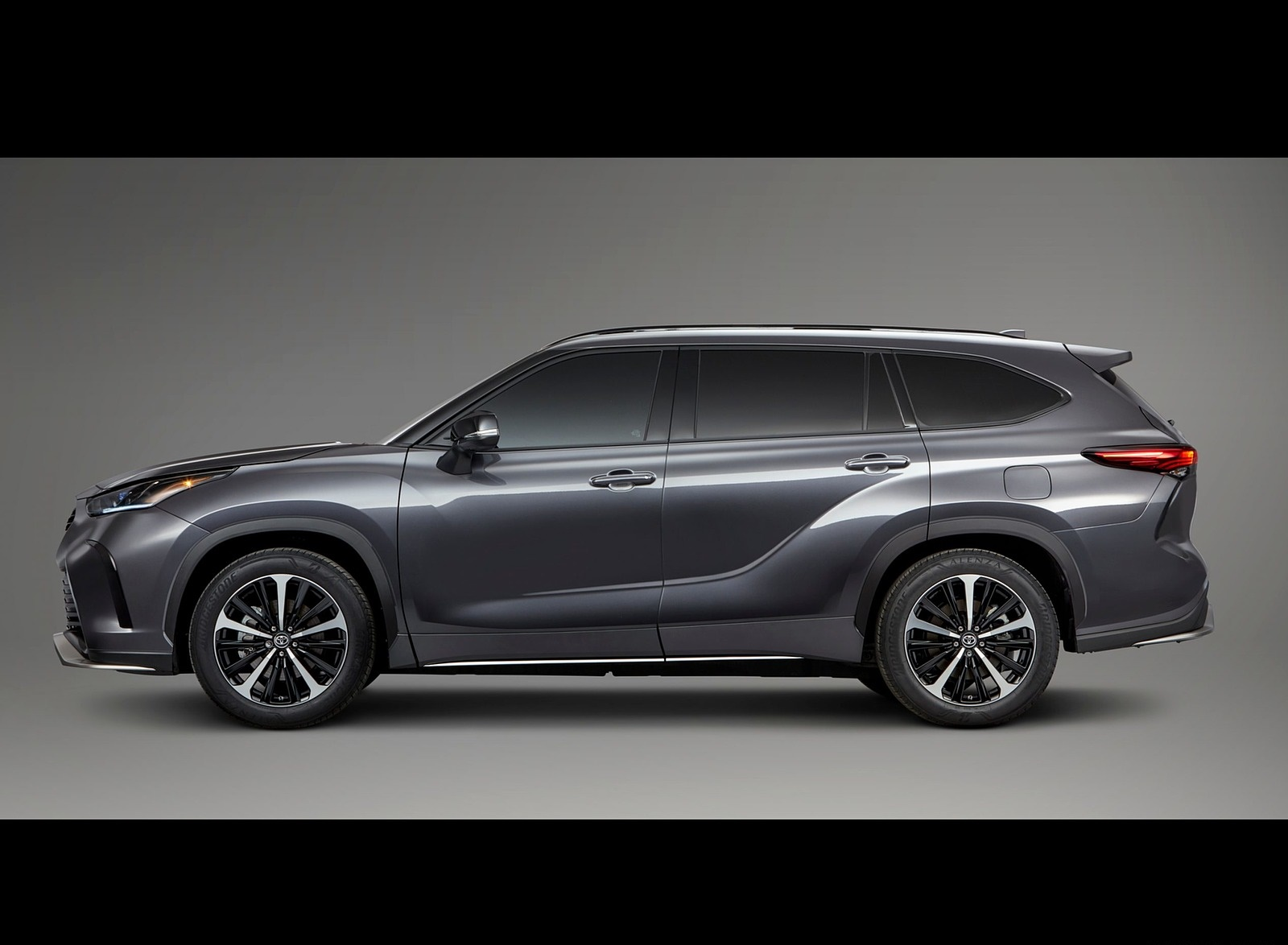 2021 Toyota Highlander XSE AWD Side Wallpapers (4)