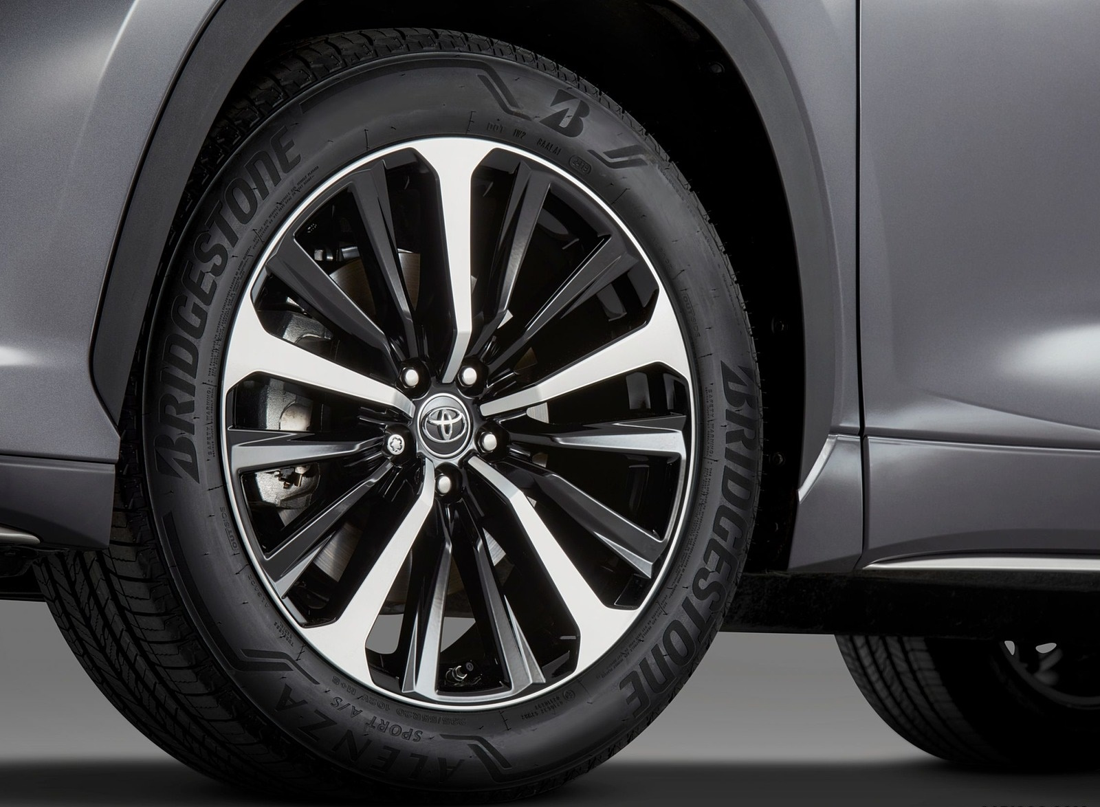 2021 Toyota Highlander XSE AWD Wheel Wallpapers (5)