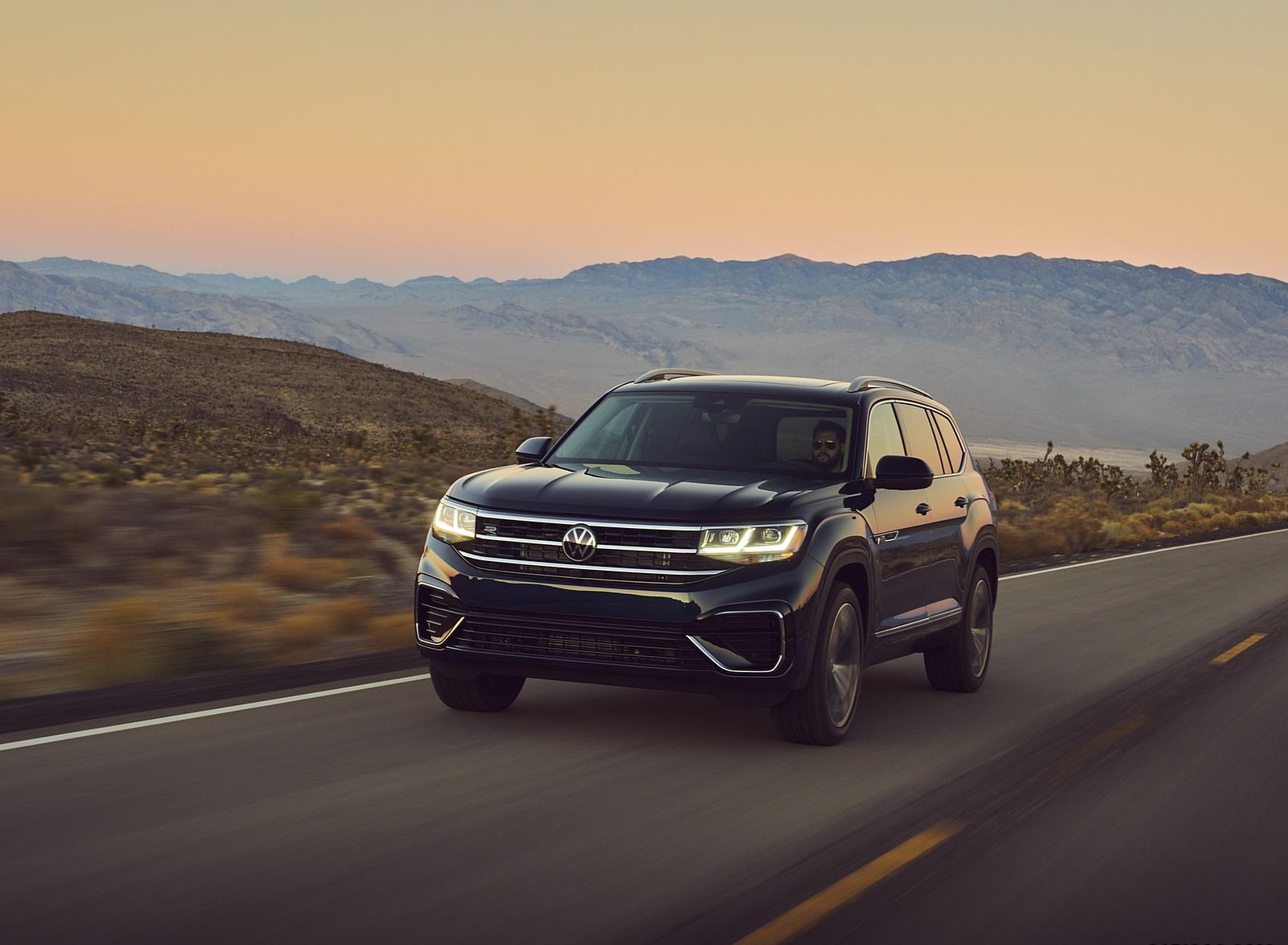 2021 Volkswagen Atlas SEL V6 R-Line Front Three-Quarter Wallpapers (3)