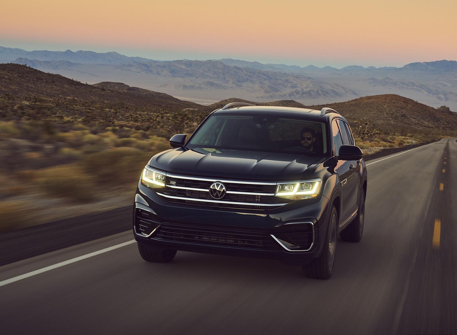 2021 Volkswagen Atlas SEL V6 R-Line Front Wallpapers (1)