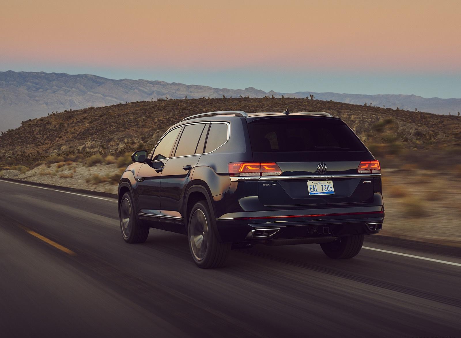 2021 Volkswagen Atlas SEL V6 R-Line Rear Three-Quarter Wallpapers (5)