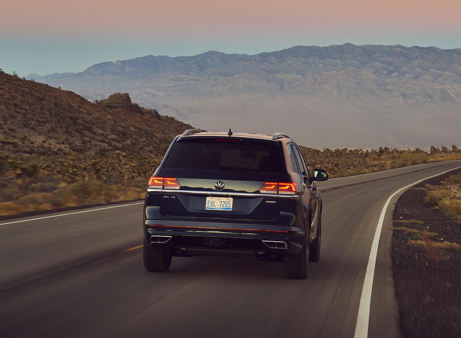 2021 Volkswagen Atlas SEL V6 R-Line Rear Wallpapers (6)