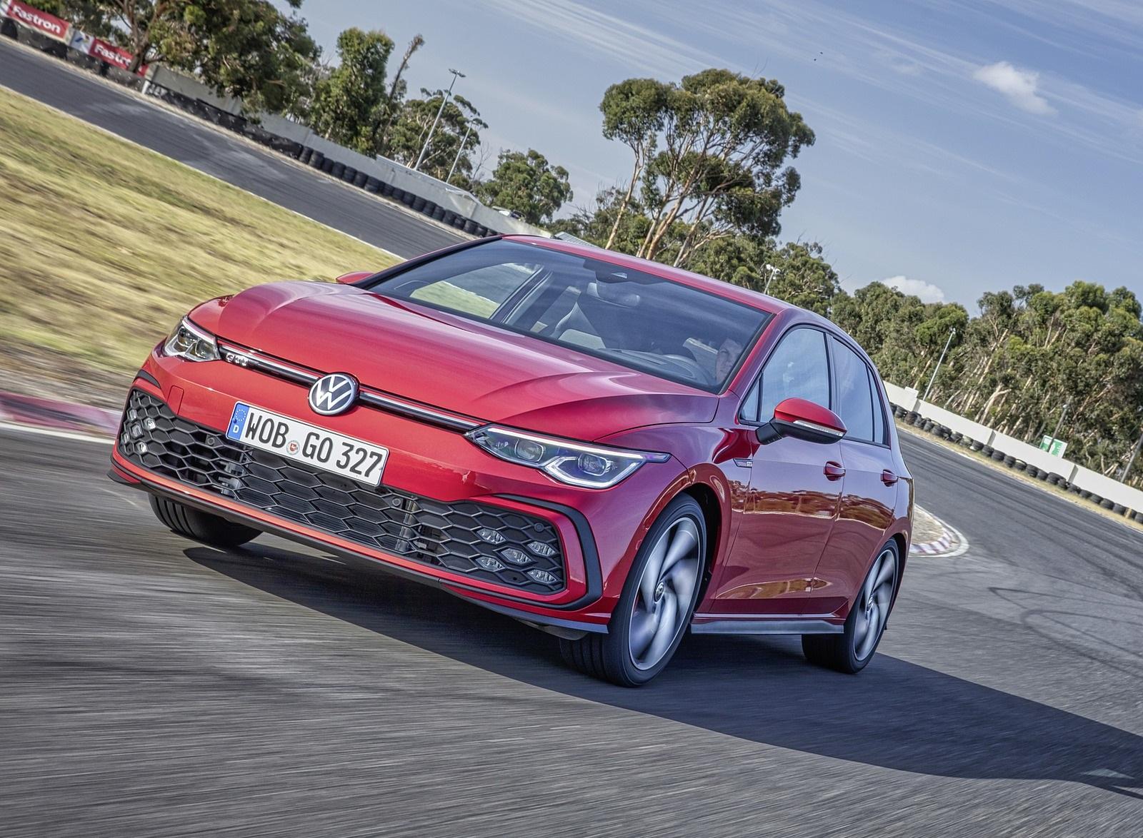 2021 Volkswagen Golf GTI Front Three-Quarter Wallpapers (4)