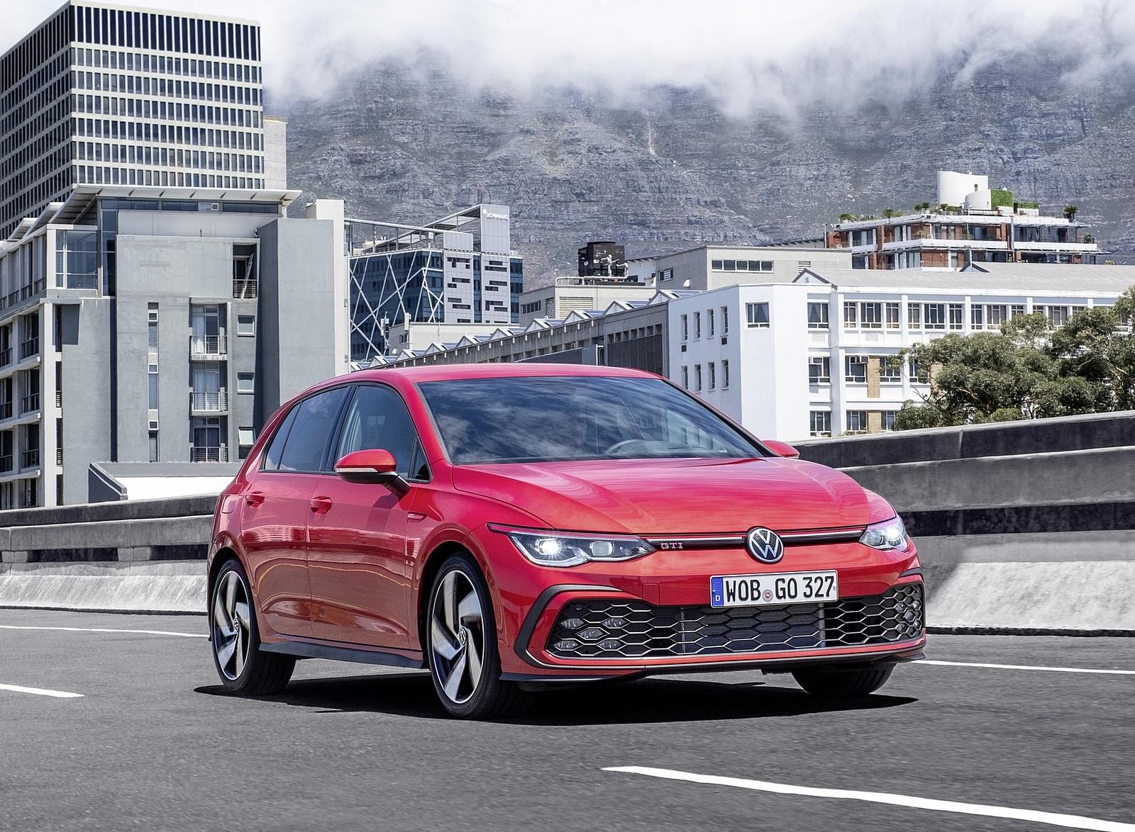 2021 Volkswagen Golf GTI Front Three-Quarter Wallpapers (2)