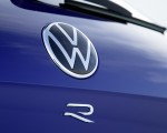 2021 Volkswagen Touareg R Plug-In Hybrid Badge Wallpapers 150x120 (40)