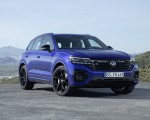 2021 Volkswagen Touareg R Plug-In Hybrid Front Three-Quarter Wallpapers 150x120 (17)