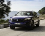 2021 Volkswagen Touareg R Plug-In Hybrid Front Three-Quarter Wallpapers 150x120 (11)