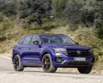 2021 Volkswagen Touareg R Plug-In Hybrid Front Three-Quarter Wallpapers 150x120 (3)